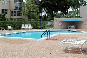9401, Lime Bay Blvd., #312 1 Bed House for Rent Photo Gallery 1