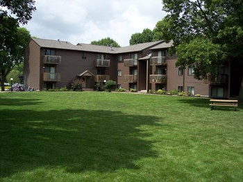 Best 2 Bedroom Apartments In Iowa City Ia From 651 Rentcafe