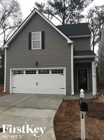 8B East Newnan Road 4 Beds House for Rent Photo Gallery 1