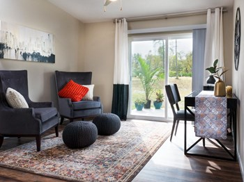 8339 Roxburo 2 Beds Apartment for Rent Photo Gallery 1