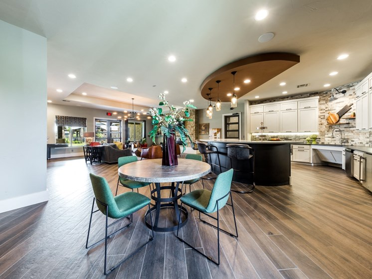 Dining Hall at Legacy Creekside, Texas