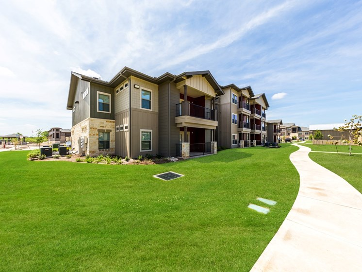 Lush Green Outdoors at Legacy Creekside, Texas