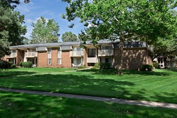 33203 North Manor Drive 1-2 Beds Apartment for Rent Photo Gallery 1