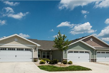 211 Redwood Drive 2 Beds Apartment for Rent Photo Gallery 1