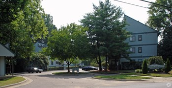 1406 Brookside Drive 1-2 Beds Apartment for Rent Photo Gallery 1
