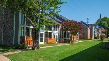 6100 Glenview Dr.  1-3 Beds Apartment for Rent Photo Gallery 1