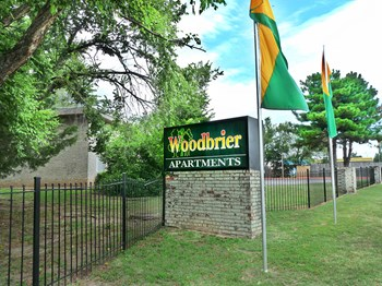 5522 Woodbrier Drive 1-2 Beds Apartment for Rent Photo Gallery 1