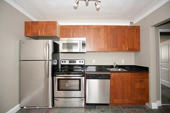 205 Colborne Street 2 Beds Apartment for Rent Photo Gallery 1
