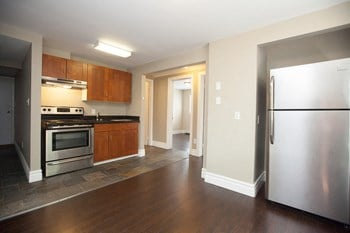 205 Colborne Street 2-4 Beds Apartment for Rent Photo Gallery 1