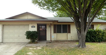 225 Ridgeway Circle 3 Beds House for Rent Photo Gallery 1