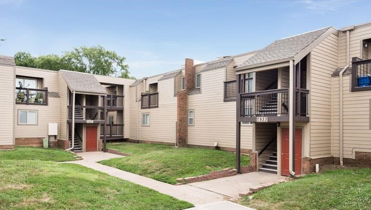 Top apartments in Overland Park, KS at Grant 79 Apartments in Overland Park, KS