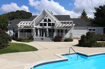 1500 High Pointe Drive 1-2 Beds Apartment for Rent Photo Gallery 1