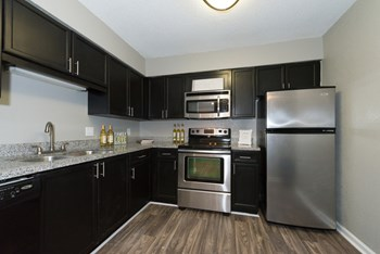 2800 Paces Ferry Rd., SE 1-2 Beds Apartment for Rent Photo Gallery 1