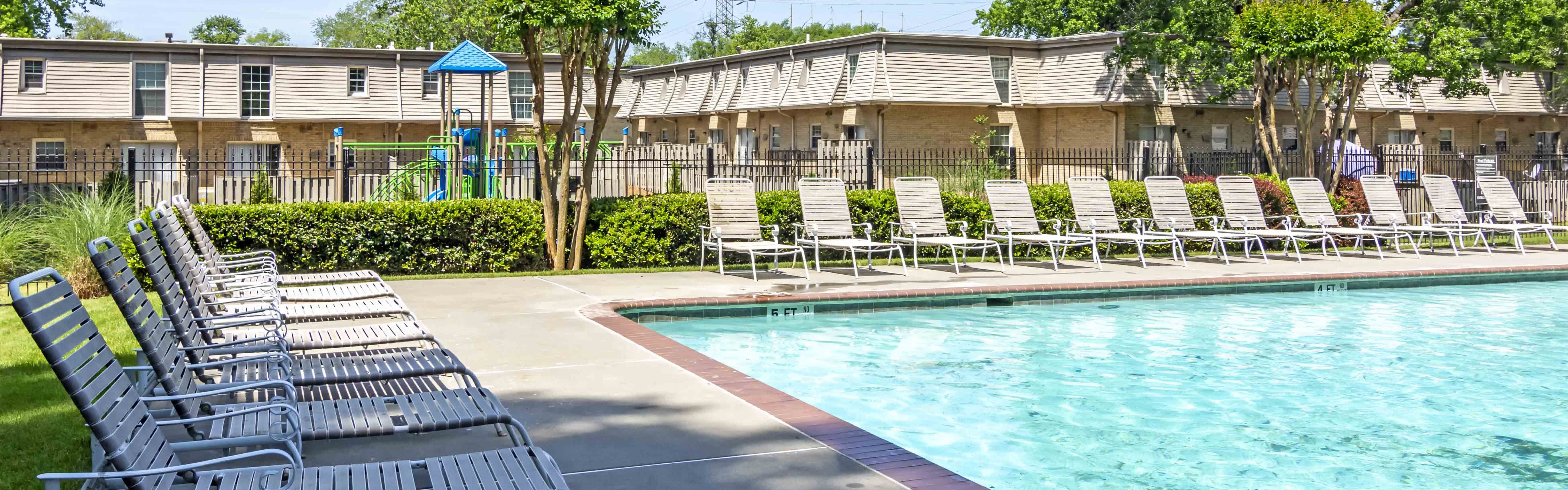 Laurel Pointe | Apartments in Forest Park, GA