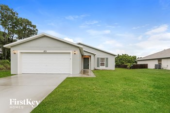 873 SW Saltonstall Terrace 3 Beds House for Rent Photo Gallery 1