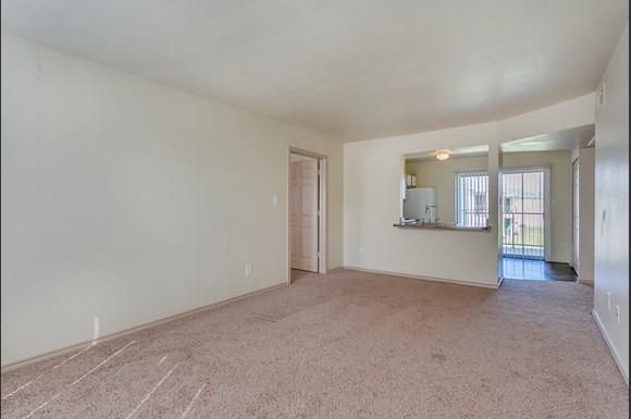 Carpet Large Open Floorplans At Paradise Oaks Apartments In Austin Tx
