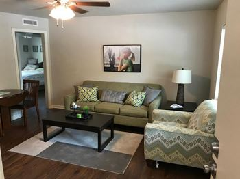 902 Emanuel Cleaver II Blvd. 2 Beds Apartment for Rent Photo Gallery 1