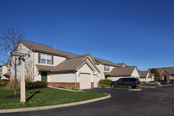 2485 Hilliard Park Blvd. 2-3 Beds Apartment for Rent Photo Gallery 1