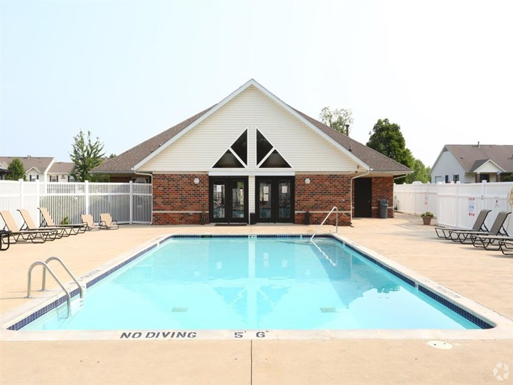 outdoor pool and leasing office_Lakestone Apartments, Ann Arbor, MI