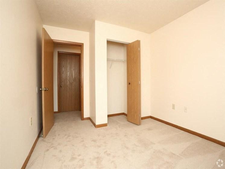 apartment bedroom_Lakestone Apartments, Ann Arbor, MI