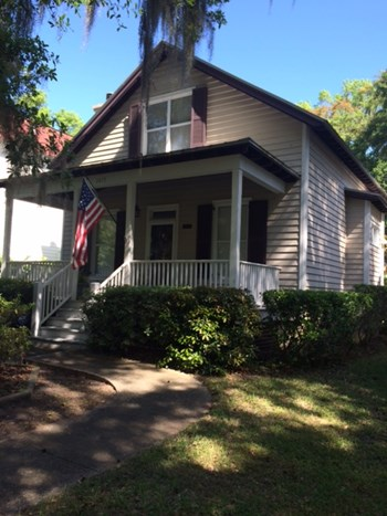 2675 BROAD STREET 3 Beds Apartment for Rent Photo Gallery 1