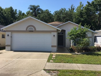 10904 Kenmore Dr 3 Beds House for Rent Photo Gallery 1