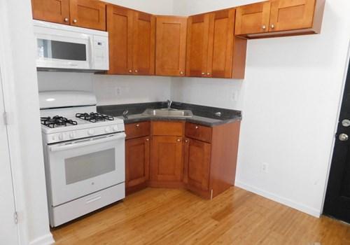2830 Glenwood Ave Community Thumbnail 1