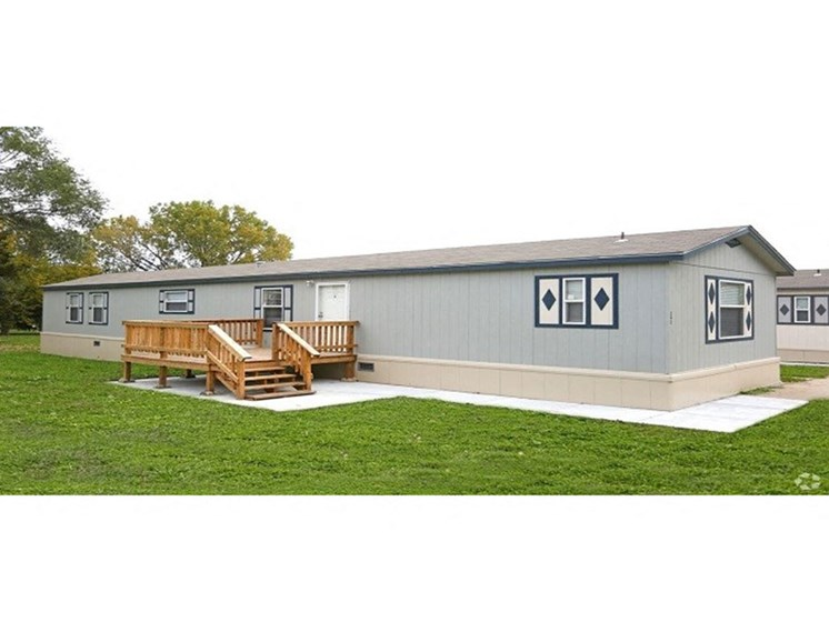 Solitaire Property Exterior at Maple Grove Rental Community in Lincoln, NE