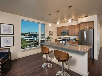 1414 10Th Avenue Studio-2 Beds Apartment for Rent Photo Gallery 1