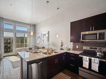 2300 Walnut Street Studio-2 Beds Apartment for Rent Photo Gallery 1