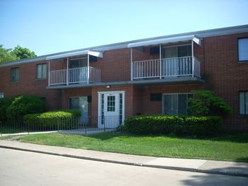 681 Turney Rd. 1-2 Beds Apartment for Rent Photo Gallery 1