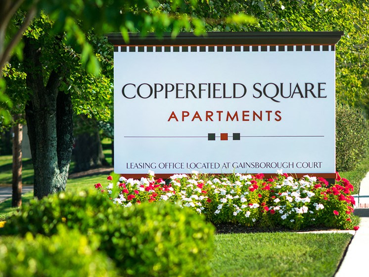 exterior sign for copperfield square