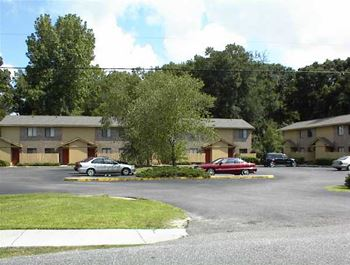 B8 DOGWOOD APTS 2 Beds Apartment for Rent Photo Gallery 1