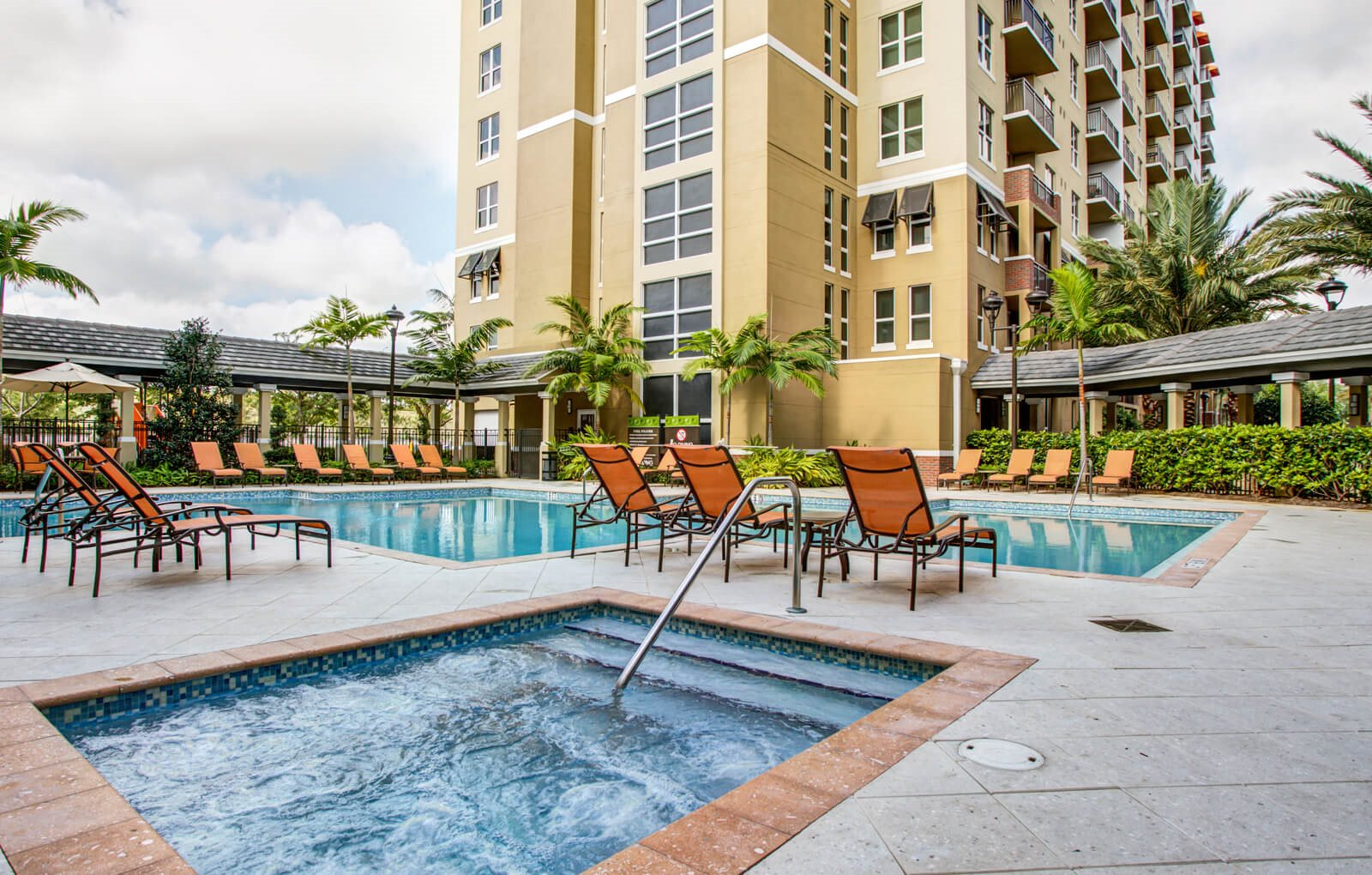 Plantation, FL Apartments | One Plantation Apartments