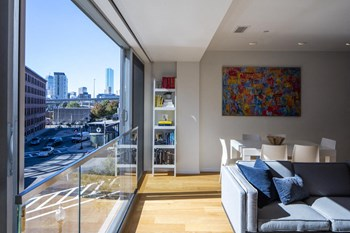 26 W Broadway Studio-2 Beds Apartment for Rent Photo Gallery 1