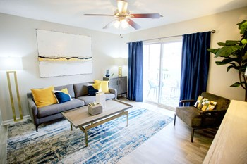 250 Evergreen Terrace 1-2 Beds Apartment for Rent Photo Gallery 1