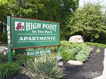2425 W River Rd N 1-2 Beds Apartment for Rent Photo Gallery 1