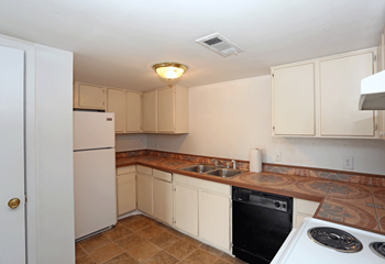 1719 Hwy 19 N 3 Beds Apartment for Rent Photo Gallery 1
