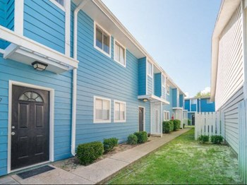 1667 Irish Hill Dr 1-2 Beds Apartment for Rent Photo Gallery 1