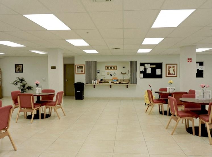 B'nai B'rith I, II, III deerfield apartments in deerfield beach, FL dining area
