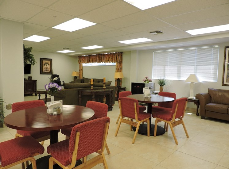 B'nai B'rith I, II, & III apartments in deerfield beach dining area