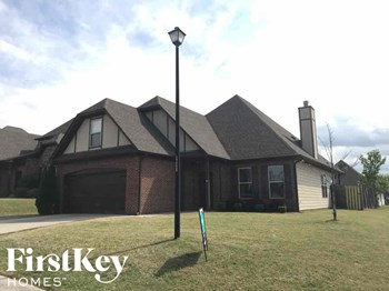 4371 Sierra Drive 3 Beds House for Rent Photo Gallery 1