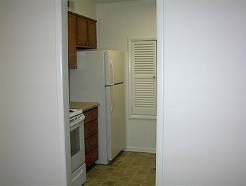 6B WATERFORD PL 2 Beds Apartment for Rent Photo Gallery 1