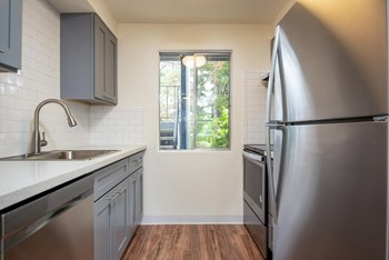 28900 SW Parkway Ave 1-2 Beds Apartment for Rent Photo Gallery 1