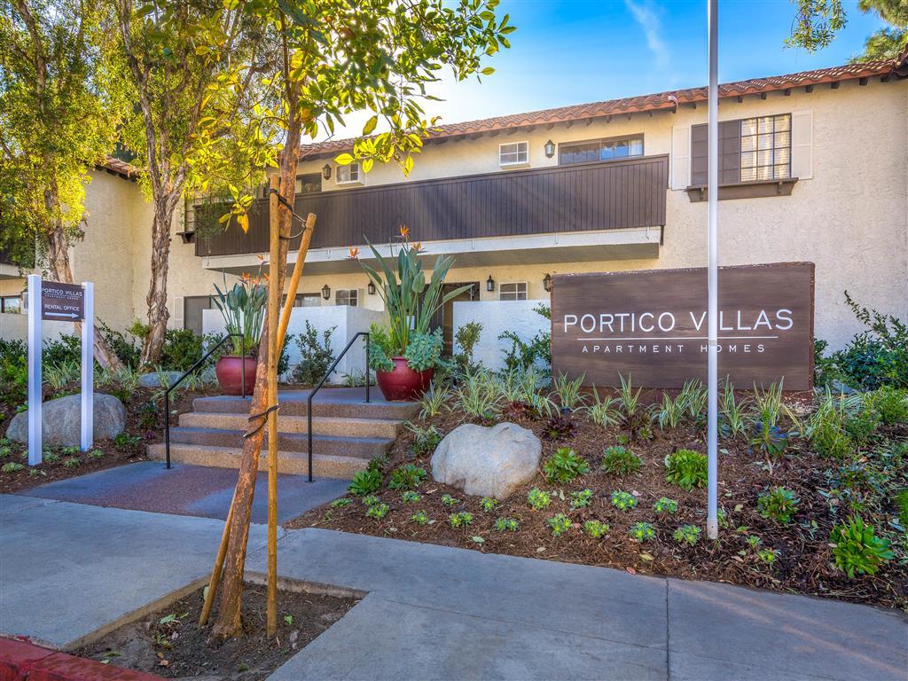 Luxury Apartment in Fullerton CA