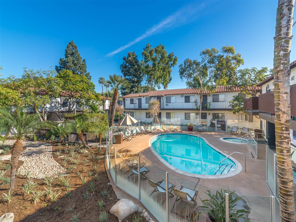 Furnished Apartments in Fullerton