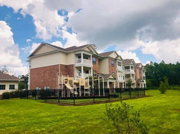 3000 Abbington Woods Drive 1-3 Beds Apartment for Rent Photo Gallery 1