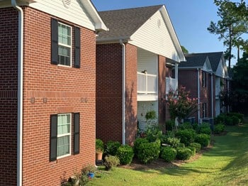 2450 Fifth Avenue SE 1-2 Beds Apartment for Rent Photo Gallery 1