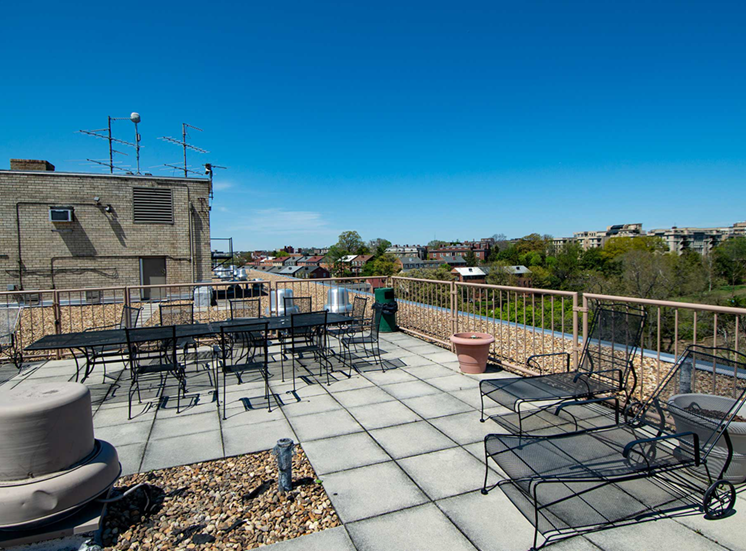 2112 New Hampshire Ave Apartments Rooftop 02
