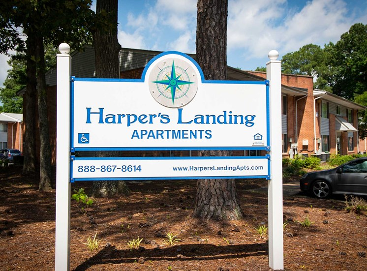 Harper's Landing Apartments Signage 02